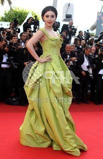 De La Renta Spring 2011 Gown