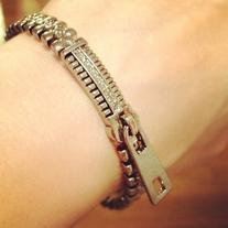 Jewelmint Zip Bracelet