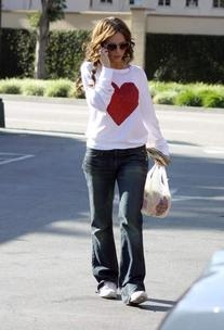 8ed44bb9189 Jennifer Love Hewitt's Outfits, Style, Fashion and Clothes