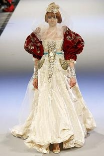 Fall 2006 Couture Bride Gown